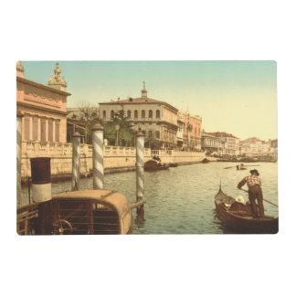 Cerca de St Mark, Venecia, Italia Salvamanteles