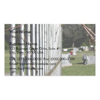 Cerca en un cementerio tarjeta de negocio