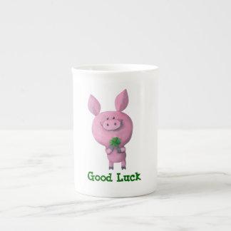 Cerdo de la buena suerte taza de porcelana