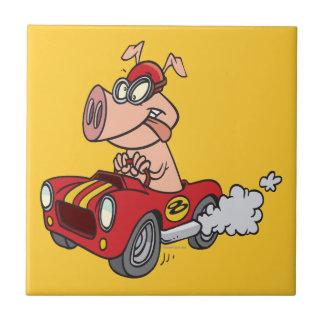 cerdo del cerdo del coche de carreras que compite  azulejo cuadrado pequeño