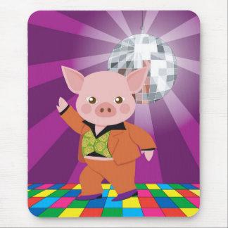 cerdo del disco en la sala de baile alfombrillas de raton