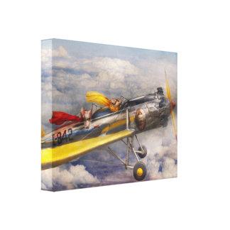 Cerdo del vuelo - avión - el paseo de la alegría lienzo envuelto para galerias