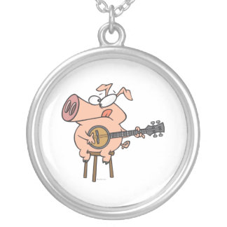 cerdo divertido que juega un personaje de dibujos  colgante redondo