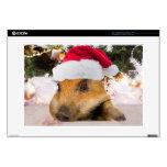 Cerdo dulce en árbol de navidad del gorra de Santa Portátil Skin