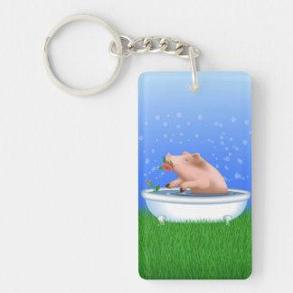 Cerdo en bañera llavero rectangular acrílico a una cara
