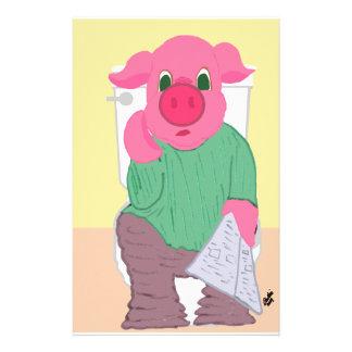 Cerdo en los efectos de escritorio de la tolva papeleria