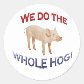 Cerdo entero pegatina redonda