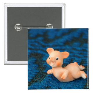 Cerdo feliz pin cuadrada 5 cm