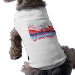 Cerdo grande del papá que flota en balsa en la pla camiseta de mascota