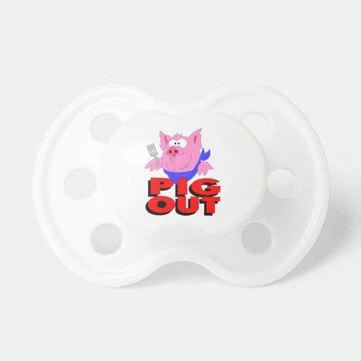 Cerdo hacia fuera chupete de bebé