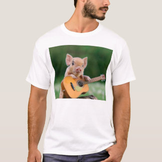 Cerdo lindo divertido que toca la guitarra playera