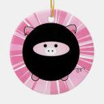 Cerdo personalizado de Ninja en el ornamento redon Adornos