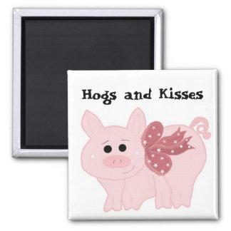 Cerdo rosado lindo con el refrán divertido imán cuadrado