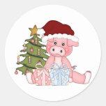 Cerdo y árbol de navidad pegatinas redondas
