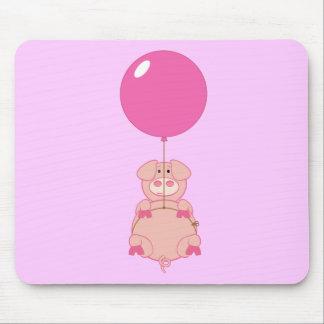 Cerdo y globo lindos del vuelo tapete de raton