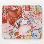 Cerdos del cuento de hadas tres del vintage pequeñ alfombrillas de raton