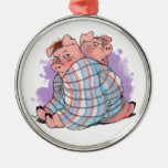 Cerdos en un ornamento combinado adorno para reyes