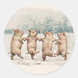 Cerdos lindos divertidos del baile - animales pegatina redonda