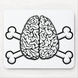 Cerebro con bandera pirata tapetes de ratón