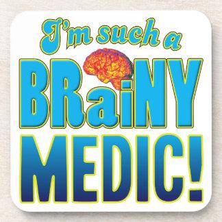 Cerebro inteligente del médico posavasos de bebida