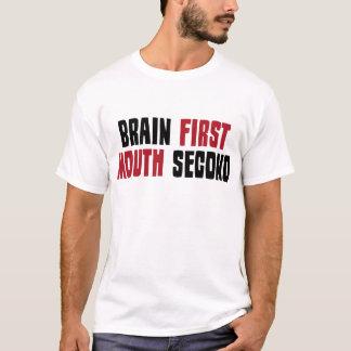 Cerebro primero, boca segunda playera