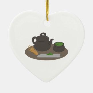 Ceremonia de té japonesa adorno navideño de cerámica en forma de corazón