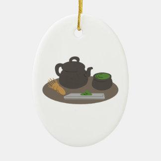 Ceremonia de té japonesa adorno navideño ovalado de cerámica