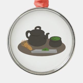 Ceremonia de té japonesa adorno navideño redondo de metal
