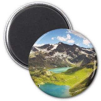 Ceresole Reale, paisaje hermoso del lago italy Imanes De Nevera