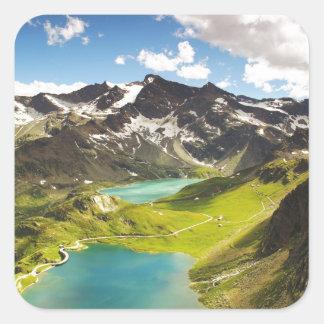 Ceresole Reale, paisaje hermoso del lago italy Pegatina Cuadrada