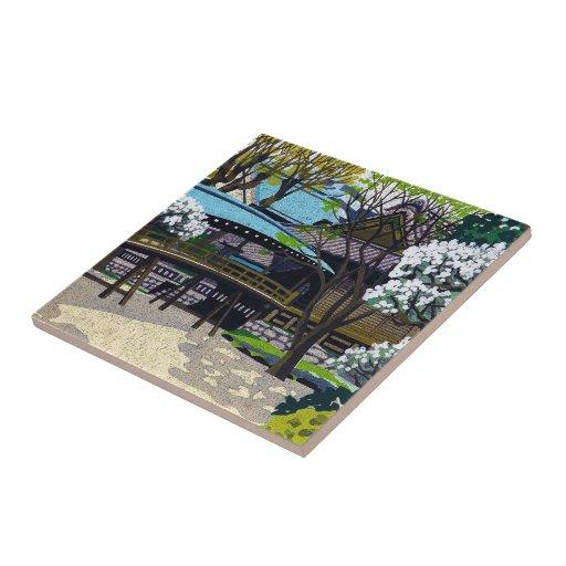 Cereza japonesa fresca del puente de la ciudad del teja