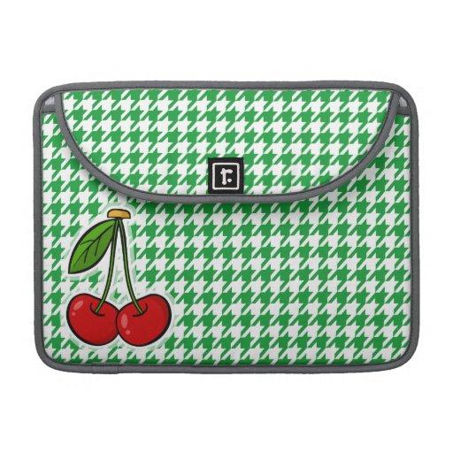 Cerezas en Kelly Houndstooth verde Fundas Para Macbook Pro