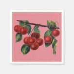 Cerezas rojas bonitas en la fruta del verano de la servilletas desechables