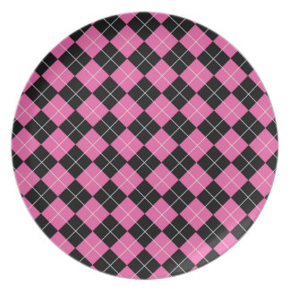 Cerise Pink and Black Argyle Plaid Pattern Dinner Plate