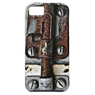 Cerradura oxidada empernada cerrada con iniciales iPhone 5 fundas