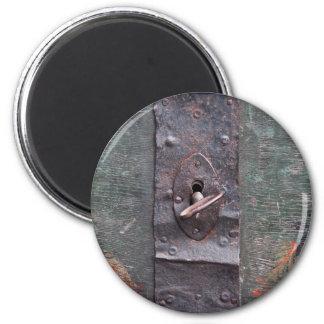 Cerradura vieja con llave imán redondo 5 cm