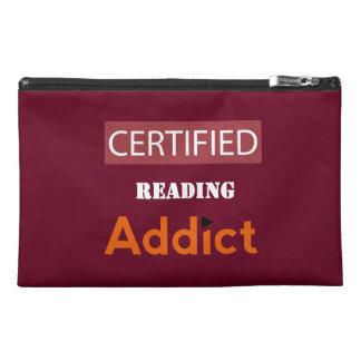 Certificado leyendo al adicto