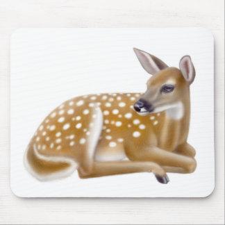 Cervatillo atado blanco Mousepad de los ciervos