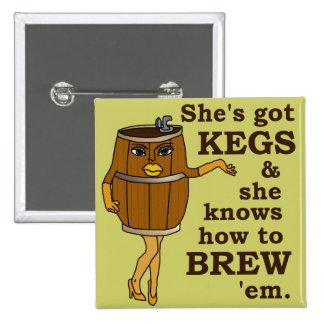 Cervecería divertida del cervecero de la cerveza o pin cuadrado