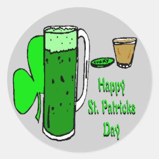 Cerveza 3 del verde del día de St Patrick Pegatina Redonda
