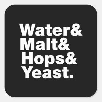 Cerveza = agua y malta y saltos y levadura pegatina cuadrada