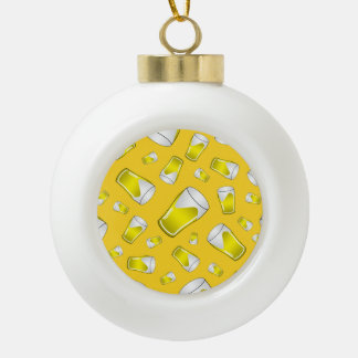 Cerveza amarilla adorno de cerámica en forma de bola