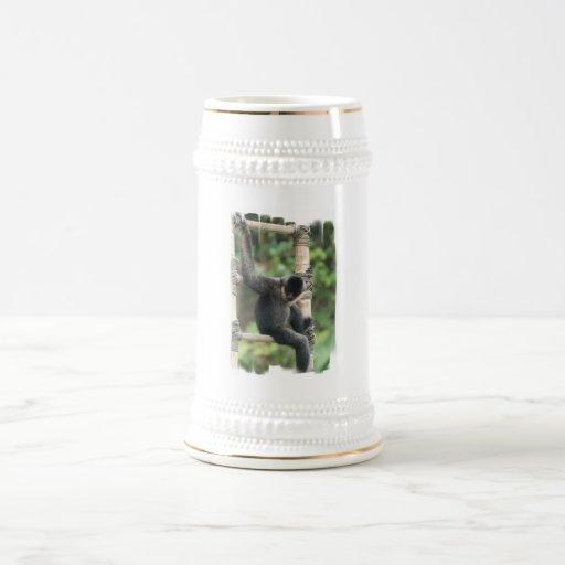 Cerveza blanca joven Stein del mono del capuchón d Taza De Café
