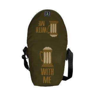 Cerveza conmigo la bolsa de mensajero de encargo bolsa de mensajería