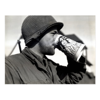 Cerveza de consumición del soldado americano de postales