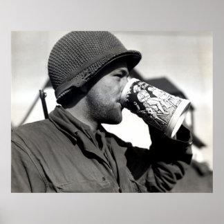 Cerveza de consumición del soldado americano de WW Poster