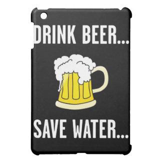 Cerveza de la bebida, agua de la reserva, citas