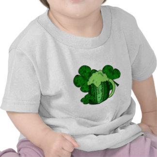 Cerveza del verde del día de San Patricio Camiseta