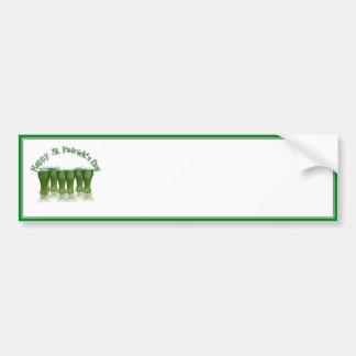 Cerveza del verde del día de St Patrick feliz Etiqueta De Parachoque