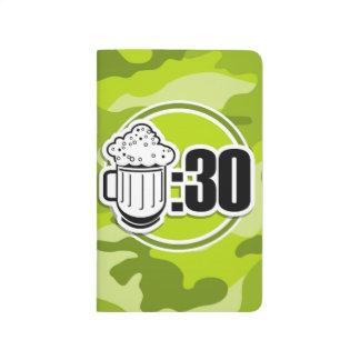 Cerveza divertida: 30, camo verde claro, camuflaje cuadernos